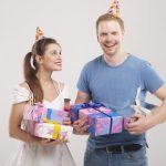 クリスマスプレゼントは彼氏が年上の社会人の場合なにがいい?